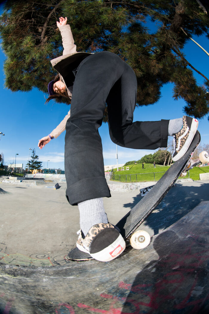Fabiana Delfino, backside nosegrind | photo: Eric Palazzolo
