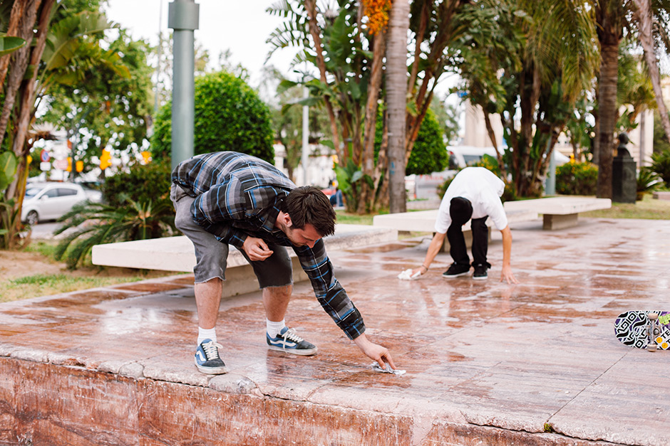 Cleaning the floor with John Bell on a Unabomber Trip, Malaga . Photo: Chris Johnson