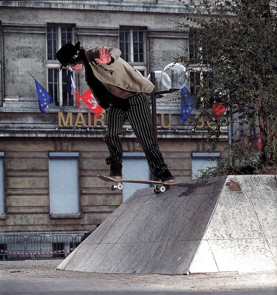 Ali Boulala backside tailslides in Lyon back in 2003. Photo: Sam Ashley