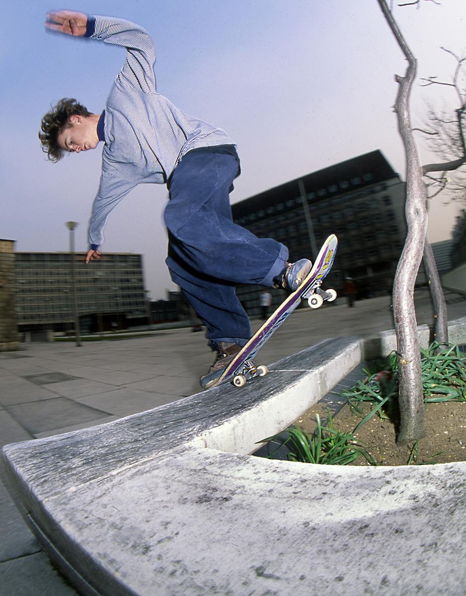 Backside noseblunt slide at Shell Centre (opposite Jubilee Gardens) in 1992. Photo: Tim Leighton-Boyce